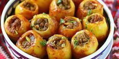 Potatoes stuffed with minced meat, a delicacy of Russian origin, … - Recipes Easy & Healthy Ukrainian Recipes, Russian Recipes, Crispy Potatoes, Stuffed Potatoes, Tasty, Yummy Food, Cooking Recipes, Healthy Recipes, Delicious Recipes