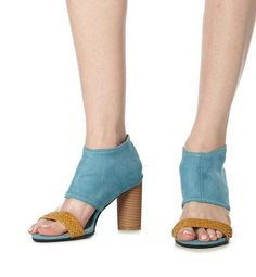 Tai Heel in Teal by Cri de Coeur
