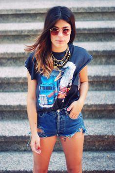 Shirt:Vintage/ Shorts:Levi's/ Blazer:H/ Shoes:Topshop/ Sunglasses:Rayban/ Necklace:Ester Ibañez(image:dulceida)