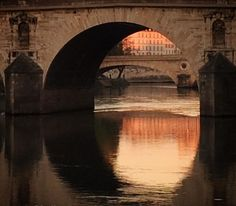 Early morning reflections by the Seine river, with a perfect light & air: lucky. — à Île Saint-Louis.