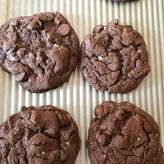 """Chocolate Fudge Cookies I """"I made them today.oh my gosh, incredible.so soft and just good. I added walnuts too."""" (Baking Cookies And Shit) All Recipes Cookies, Cake Mix Recipes, Cookie Desserts, Dessert Recipes, Baking Cookies, Fudge Cookie Recipe, Chewy Chocolate Chip Cookies, Semi Sweet Chocolate Chips, Chocolate Cake"""