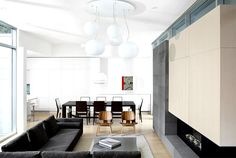 Canadian Holiday #House with Clear Architectural Lines - beautiful living/dining space and fireplace