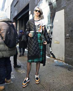 New York Fashion Week осень-зима - street style Moda Fashion, Fashion 2018, New Fashion, Winter Fashion, Girl Fashion, Fashion Outfits, Fashion Trends, New York Fashion Week Street Style, Street Style Edgy