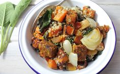 This tempeh tagine bowl is nutritious, filling, simple to make and absolutely delicious. Packed with spiced, vibrant flavours and the sweetness of squash. Spicy Vegetarian Recipes, Veggie Recipes, Whole Food Recipes, Healthy Recipes, Healthy Foods, Veggie Dinners, Clean Dinners, Vegetarian Dinners, Vegan Meals