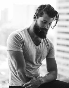 of Perfect Beard Styling is not just about growth but proper maintenance. Importance of Perfect Beard Stylingis not just about growth but proper maintenance. Importance of Perfect Beard Styling Bart Styles, Sexy Bart, Mode Man, Perfect Beard, Great Beards, Awesome Beards, Beard Tattoo, Tattoo Man, Beard No Mustache