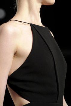 basic black halter- couture, love this so much Fashion Details, Look Fashion, Runway Fashion, High Fashion, Womens Fashion, Elegance Fashion, Fashion Terms, Fashion Black, Retro Fashion