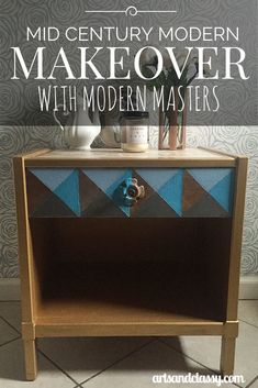 DIY Project and Product Review: Mid Century Modern Makeover with Modern Masters Metallic Paint. See how this free craigslist find table gets a fun colorful vintage geometric makeover via www.artsandclassy.com