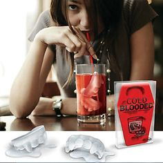 Vampire Teeth Shaped Ice Tray Mould - USD $ 3.99