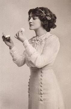 I absolutely LOVE the clothing and hair.... palemagnolia: Edwardian Theatre actress, Miss Lily Elsie.