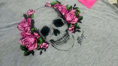 Girls Women T Shirt BETSEY JOHNSON  Size L Light Gray  Short Sleeve V-Neck NWT #BetseyJohnson #GraphicTee