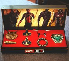 Universe -Tiny Universe - The Avengers Weapon Necklace Set Which passport cover would you like to buy ?Gonna be so epic to travel with! -Source: (link in bio) What if? If Avenges was made in the Marvel Avengers, Memes Marvel, Avengers Memes, Marvel Funny, Geek Culture, Marvel Universe, Logo Super Heros, Univers Dc, Life Is Strange