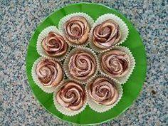 http://ricette.giallozafferano.it/Roselline-di-sfoglia-e-mele.html