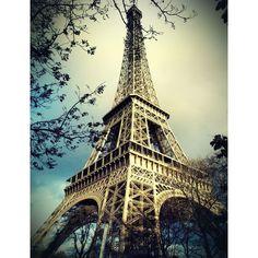 Paris vista do alto A Torre Eiffel e o Arco do Triunfo ❤ liked on Polyvore featuring backgrounds, pictures, paris, photos and places