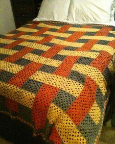 Transcendent Crochet a Solid Granny Square Ideas. Inconceivable Crochet a Solid Granny Square Ideas. Crochet Afghans, Crochet Bedspread, Crochet Quilt, Granny Square Crochet Pattern, Afghan Crochet Patterns, Crochet Squares, Baby Blanket Crochet, Crochet Baby, Crochet Blankets