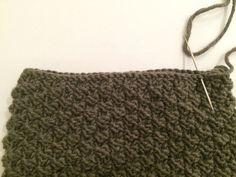 Lue og hals til ettåring | Strikk byBernsen Different Textures, Baby Knitting Patterns, Winter Outfits, Georgia, Crafts, Women, Jackets, Bebe, Threading