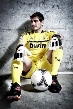 Iker Casillas madd good keeperr :)