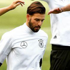 Volle Konzentration im DFB-Training. Ob Platte am Abend gegen Dänemark wohl ablaufen wird? Hoffentlich! #hahohe