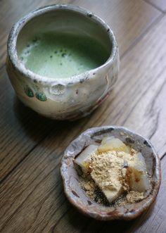 Japanese matcha tea and warabi sweets