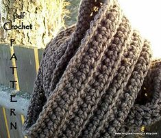 Highland Chunky Cowl - free crochet pattern by Martha McKeon / longbeachdesigns. Super chunky yarn, quick project.