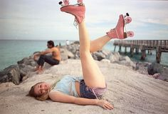 Looks like T-Tapp's Awesome Legs exercise...with skates! http://www.t-tapp.com/articles/legs/