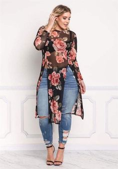 The Curvy Girl's Guide: Top 10 Plus Size Outfit Ideas for Summer and Winter Curve Fashion, Look Fashion, Plus Fashion, Womens Fashion, Fashion Wear, Size 10 Fashion, Plus Size Fashion For Women Summer, Fashion Photo, High Fashion