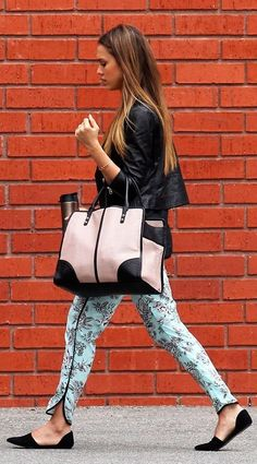 Jessica Alba street style ❤ Leather, printed trousers, flats, tote