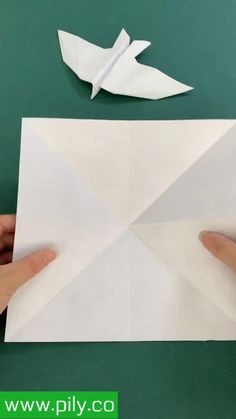 origami Paper Folding Crafts, Cool Paper Crafts, Paper Mache Crafts, Instruções Origami, Paper Crafts Origami, Art Drawings For Kids, Diy Crafts Hacks, Origami Tutorial, Paper Crafts Magazine
