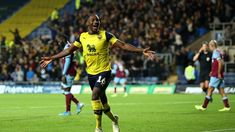 Oxford United humiliate West Ham in shock Carabao Cup thrashing Oxford United Fc, Manchester United, West Ham Fans, Mark Noble, Bristol City, Free Kick, Rugby World Cup, World Championship