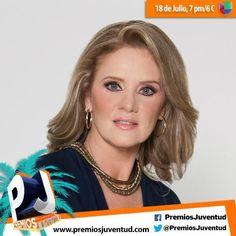 Llega una de la novela de Amores Verdaderos ella es Erika A los Premios Juventud... Bienvenida.....