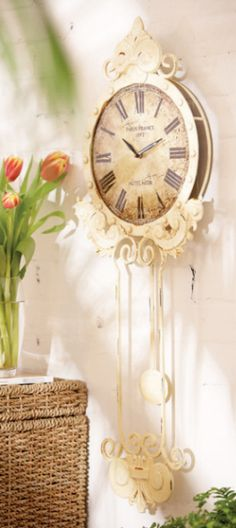 Brilliant and Inspiring Shabby Chic Clock Ideas for Farmhouse -
