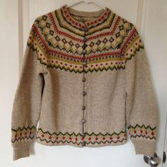 Label: Gunn Rein, handmade in Norway Vintage Wool, Vintage Sweaters, Wool Sweaters, Knitting Charts, Hand Knitting, Knitting Patterns, Norwegian Knitting, Nordic Sweater, Reiss