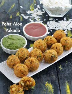Poha Aloo Pakoda, Quick Evening Snack - waff life photos and shared Pakora Recipes, Veg Recipes, Indian Food Recipes, Vegetarian Recipes, Snack Recipes, Cooking Recipes, Punjabi Recipes, Curry Recipes, Cheese Recipes