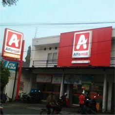 TOKO REKLAME Layanan pembuatan Neon Box di Banjarmasin, Solo, Balikpapan, Makassar dan Palu. Serta kota-kota besar lainnya di Indonesia Neon Box, Manado, Makassar, Advertising, Dan, Sticker, Stickers, Decal