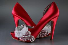 CURRENT TURNAROUND TIME FOR BRIDAL SHOES: http://www.etsy.com/shop/pink2blue/policy  High Heels ~ To view some of my other high heel bridal shoes, check the link below: https://www.etsy.com/shop/Pink2Blue?section_id=13281609  All Bridal Shoes: https://www.etsy.com/shop/pink2blue?ref=si_shop  Youll radiate walking down the aisle in these beautiful Silk Satin pumps from Pink2Blue! These gorgeous bridal shoes are an exqu...