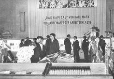 """Ausstellung zum 100. Jahrestag vom """"Kapital"""" des Karl Marx, Staatsbibliothek…"""