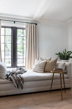 Interior Design Inspiration, Interior Design Living Room, Living Room Designs, Cozy Living Rooms, Formal Living Rooms, Small Space Design, Small Spaces, Home Furnishings, Home Accessories