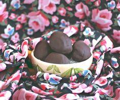 Chocolate Covered Cheesecake Easter Eggs  #sugarfree #vegan
