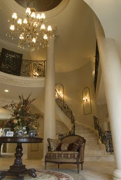 Entryway stairs - very elegant and romantic Foyer Staircase, Entryway Stairs, Staircase Design, Staircases, Spiral Staircase, Beautiful Space, Beautiful Homes, Beautiful Stairs, Sweet Home