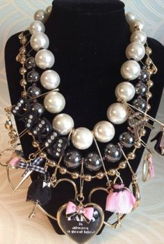 Betsey-Johnson-B07838-N01-Paris-is-Always-a-Good-Idea-Statement-Necklace-19-034-NR