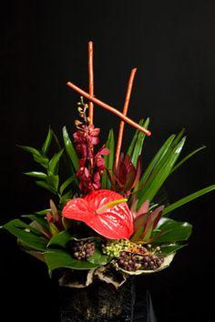 Hawaiian Flower Arrangement #saveur #dinnerparty
