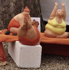 Yoga for every body :) Sculptures Céramiques, Sculpture Art, Plus Size Art, Fat Art, Ceramic Figures, Paperclay, Ceramic Pottery, Art Dolls, Biscuit