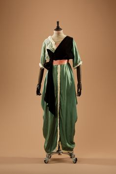 Evening dress, 1910's From the collection of Alexandre...