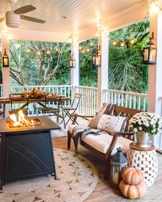 Fall Porch Tour and How to Add Cozy Style Outdoors - Bless'er House 8 simple ways to add cozy style to your porch and outdoor spaces for Fall with tips for lighting, warmth, and an easy color palette. House With Porch, Cozy House, Porch And Patio, Porch Bench, House Roof, Front Porch, Outdoor Spaces, Outdoor Living, Outdoor Decor