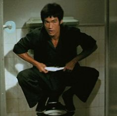 Bruce Lee Chuck Norris, Bruce Lee Family, Way Of The Dragon, Kung Fu Movies, Bruce Lee Photos, Martial Artist, Jackie Chan, Arms, Scene