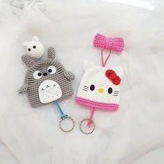 Mesmerizing Crochet an Amigurumi Rabbit Ideas. Lovely Crochet an Amigurumi Rabbit Ideas. Crochet Key Cover, Crochet Case, Crochet Gifts, Cute Crochet, Crochet Dolls, Yarn Projects, Crochet Projects, Totoro, Crochet Keychain Pattern