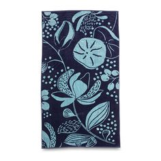 The iconic national flower of Vietnam blooms brightly across the Lotus beach towel, and is sure to bring out the sun on seaside occasions.