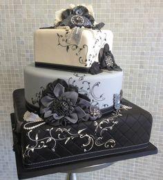 hääkakku musta hopea harmaa valkoinen ornamentti kukka kukat nauha neliö suorakulmio neliskanttinen sydän moderni koristeellinen nuorekas