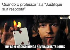 Olha esse post no QuizUp! Funny Quotes, Funny Memes, Otaku Meme, Memes Status, Top Memes, Geek Humor, Funny Pins, Puns, Really Funny