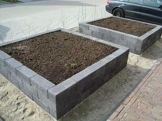 raised garden beds from simple blocks Garden Deco, Garden Pool, Rustic Outdoor Furniture, Home Landscaping, Garden Spaces, Dream Garden, Garden Inspiration, Vegetable Garden, Outdoor Gardens