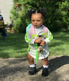 I'm ready for school ♥️ * * * * * * *… Mix Baby Girl, Baby Boy Swag, Cute Baby Girl, Baby Girls, Cute Little Girls Outfits, Kids Outfits Girls, Toddler Girl Outfits, Cute Kids Fashion, Baby Girl Fashion